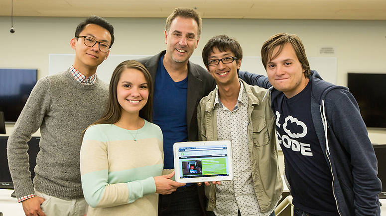 Prof. David Wolber and students display AppInventor.org